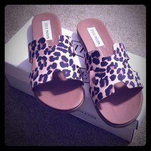 Steve Madden leopard slide sandals size 8.5
